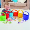 Paniers de courses en couleur pour le tri