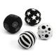 Collection de balles d'activité noires et blanches