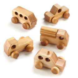 Mini véhicules en bois