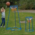 Deux paniers de basket-ball autoportants