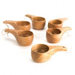Lot de tasses en bois