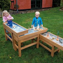 Table d'extérieur avec pompe pour jeux d'eau et de sable